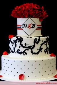 monogram-initial-wedding-cake-toppers-ideas