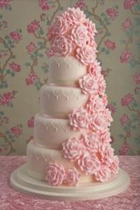 romantic-rose-wedding-cake