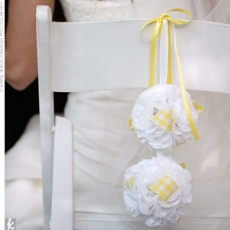 ukrashenie-stuliev-dlya-svadbi-cveti-5