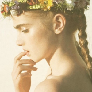 tbdlaurencrownflowers1