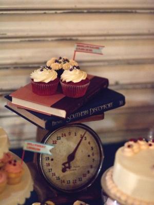 vintage_dessert_table_23
