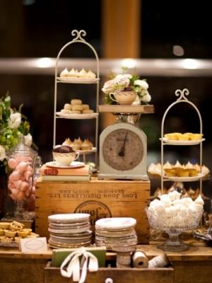 vintage_dessert_table_28