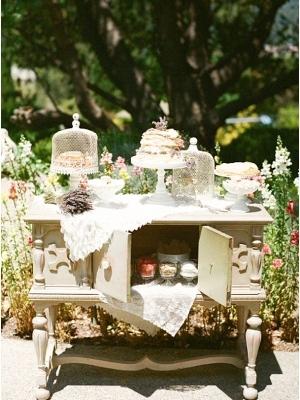 vintage_dessert_table_37