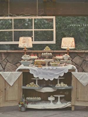 vintage_dessert_table_39