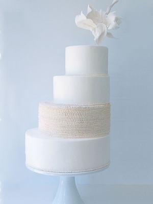zimniy-svadebniy-tort-0050