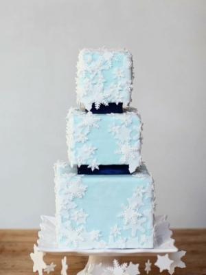 zimniy-svadebniy-tort-0053