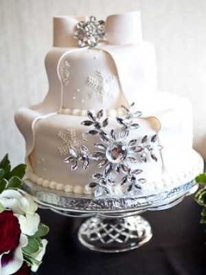 zimniy-svadebniy-tort-0056