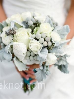 svadebnii-buket-nevesti-dlya-zimnei-svadbi-0001