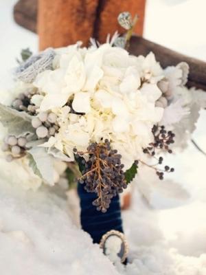 svadebnii-buket-nevesti-dlya-zimnei-svadbi-0034