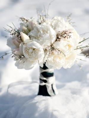 svadebnii-buket-nevesti-dlya-zimnei-svadbi-0045