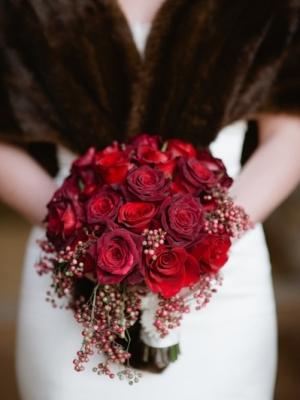 svadebnii-buket-nevesti-dlya-zimnei-svadbi-0057