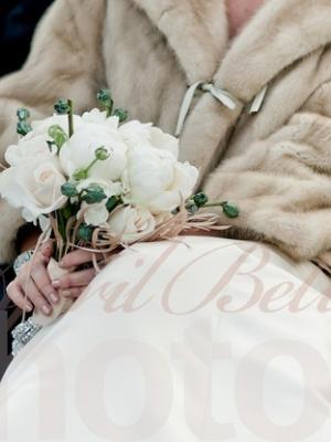 svadebnii-buket-nevesti-dlya-zimnei-svadbi-0058