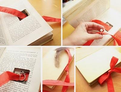 book-wedding-ring-holder2