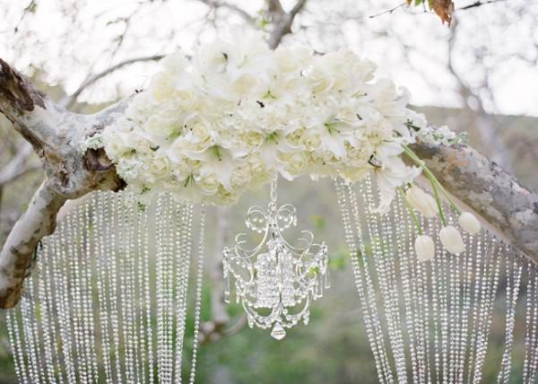 dramatic-wedding-glamour-600x428