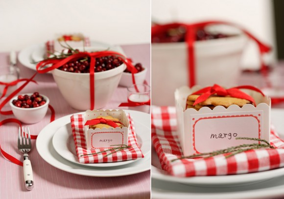 red-white-checked-napkin-cranberries-christmas-holiday-winter-wedding-580x407