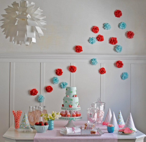 Baby shower wall decorations