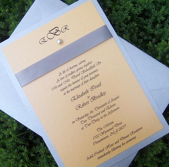 priglashenie-na-svadbu-s-lentoi-fioletovii-sirenevii-jemchug