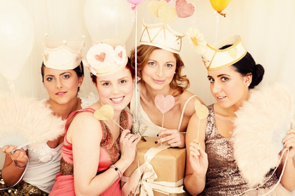 pink-glitter-bridal-shower-600x399