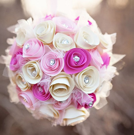 paper bouquet-pink and white-467x700