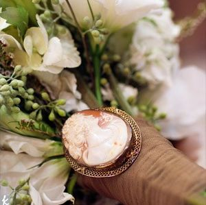svadebnii-buket-nevesti-s-kameei-0010