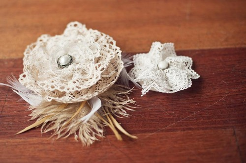 DIY-Fascinator-with-Lace-Roses-500x332