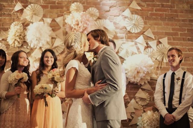 07_Roses-Lace-Vintage-Wedding-Alixann-Loosle-Photography-151