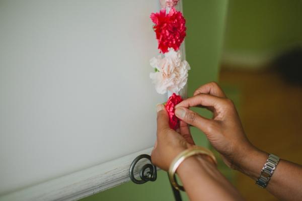 1369854165_content_DIY_DIY-Blooming-Carnation-Display-Board_8