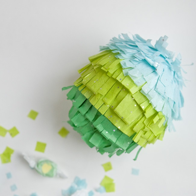 Копия diy-mini-pinata-weddingfavors-19
