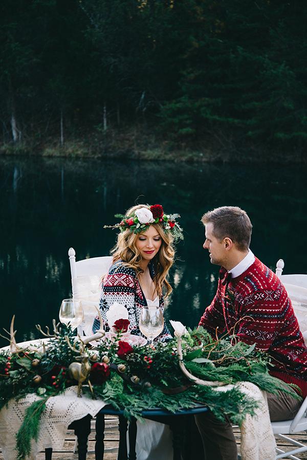 14-festive-styled-wedding-winter-woods-corgi-holiday-sweater