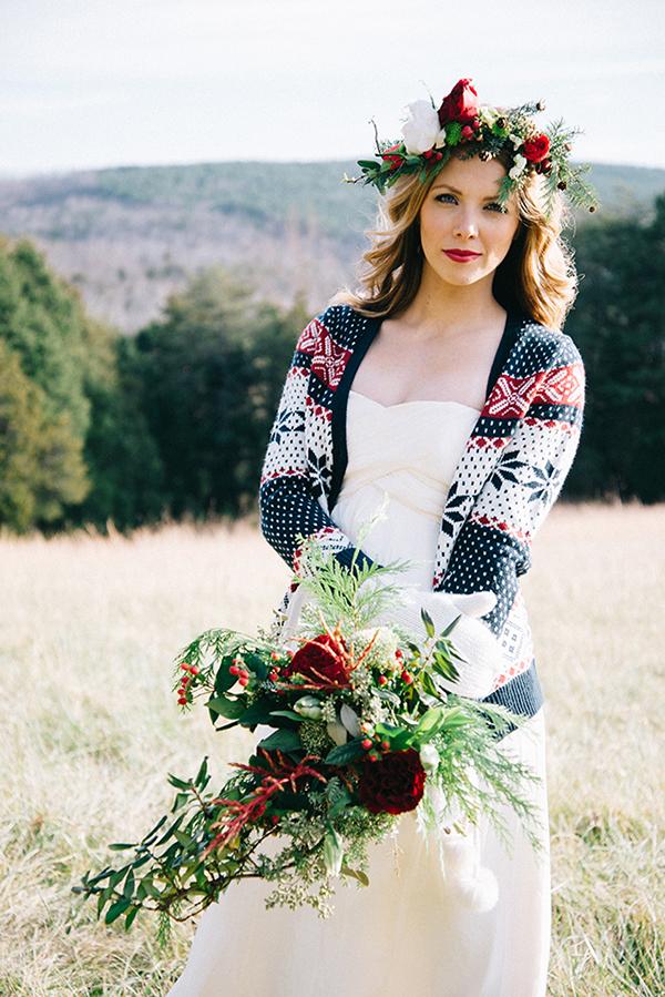 4-festive-styled-wedding-winter-woods-corgi-holiday-sweater