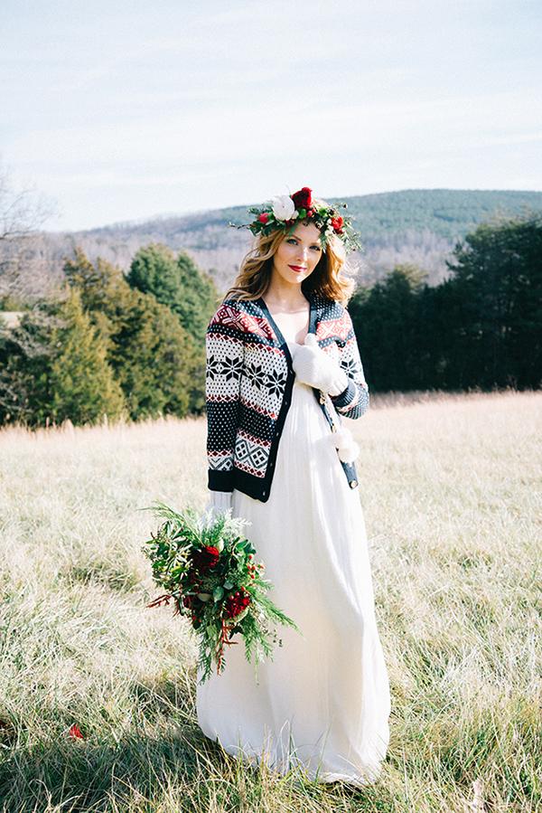 6-festive-styled-wedding-winter-woods-corgi-holiday-sweater