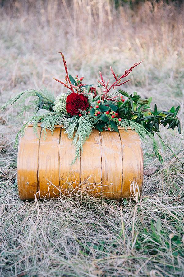 9-festive-styled-wedding-winter-woods-corgi-holiday-sweater