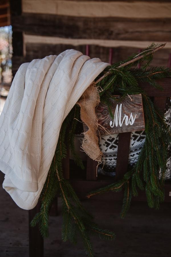 Christmas-Bridal-Brunch-Log-Cabin-Hot-Chocolate-Festive-Shoot-10