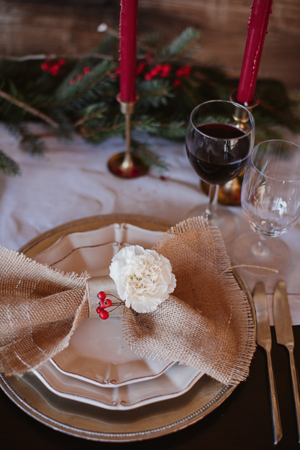 Christmas-Bridal-Brunch-Log-Cabin-Hot-Chocolate-Festive-Shoot-11