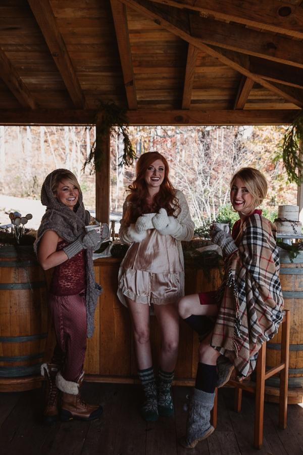 Christmas-Bridal-Brunch-Log-Cabin-Hot-Chocolate-Festive-Shoot-15