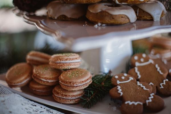 Christmas-Bridal-Brunch-Log-Cabin-Hot-Chocolate-Festive-Shoot-2-2