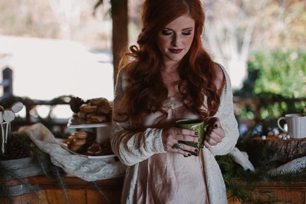 Christmas-Bridal-Brunch-Log-Cabin-Hot-Chocolate-Festive-Shoot-2-5