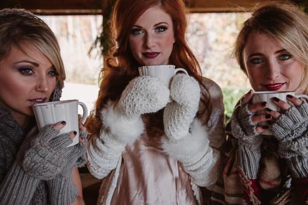 Christmas-Bridal-Brunch-Log-Cabin-Hot-Chocolate-Festive-Shoot-2-7